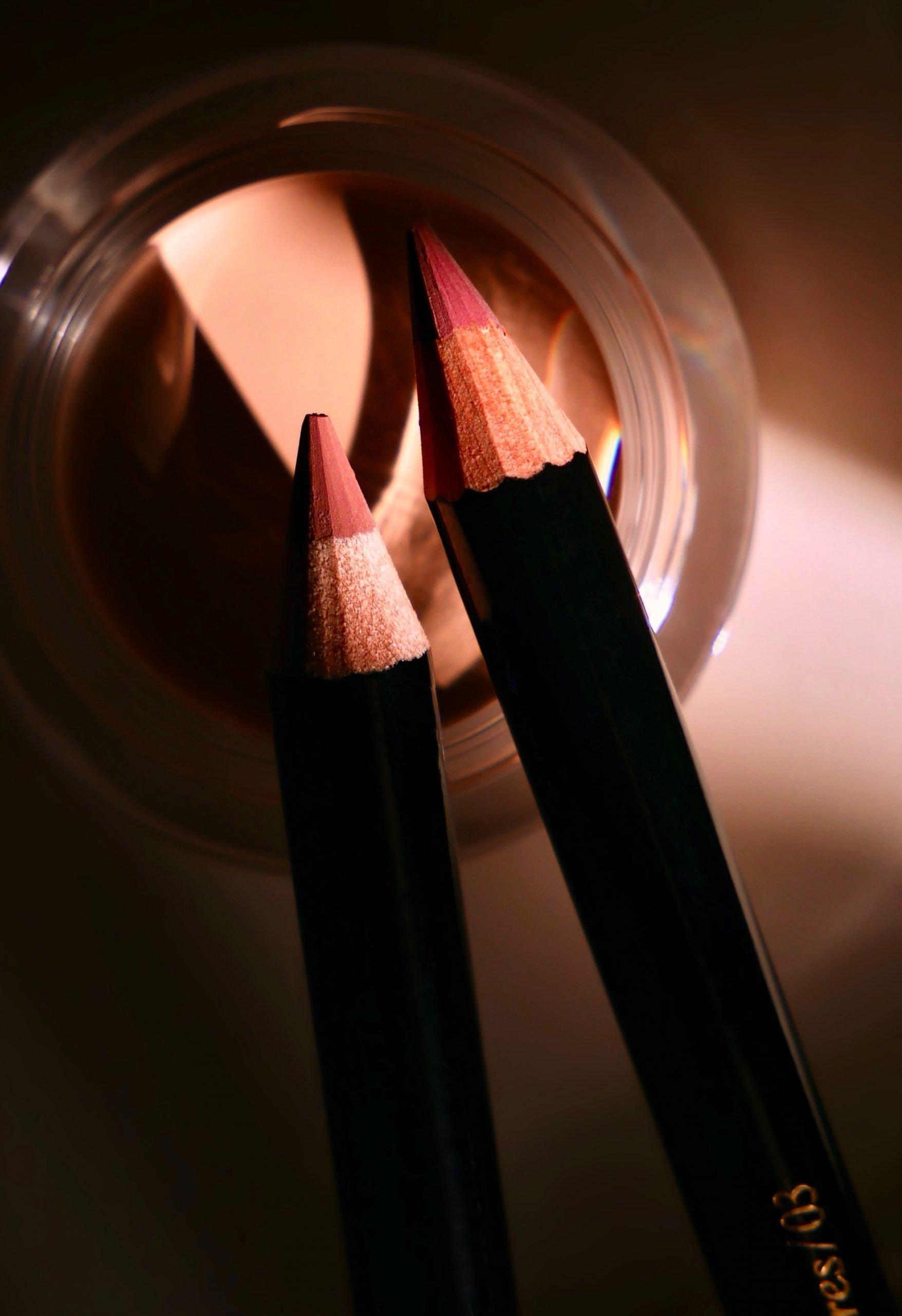 Victoria Beckham Beauty Lip Definer 02, 03, Tori Vale